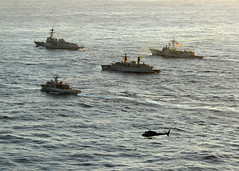 US Navy, Mexican and Brazilian ships underway during UNITAS 52 (Official U.S. Navy Imagery) Tags: navy sailor usnavy underway mexicannavy guidedmissiledestroyer guidedmissilefrigate patrolvessel ussnitzeddg94 ussbooneffg28 atlanticphase unitas52 bajacaliforniapo162 braziliannavyfrigate bnsbosisiof48