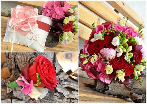 cocarda ( buttonhole ) - pernuta verighete ( ring pillow ) - buchet mireasa ( bridal bouquet )