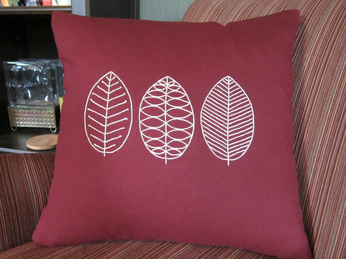Iron Craft Challenge #21 - Scandinavian Leaf Pillow