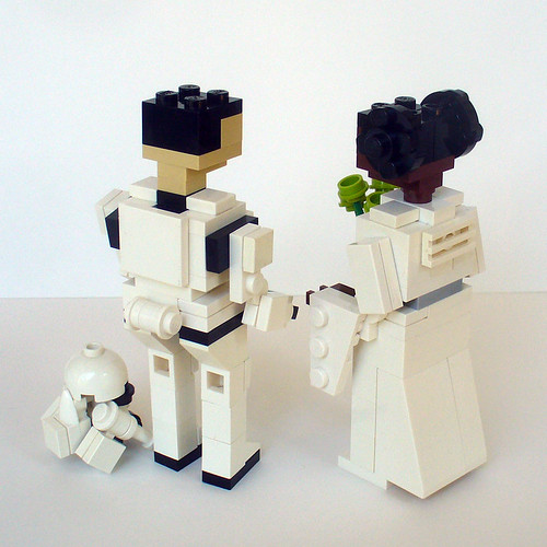 Leia and Stormtrooper Wedding Cake Topper 2