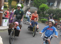 Cirque du Cycling_20 (METROFIETS) Tags: green beer bicycle oregon garden portland construction paint nw box handmade steel weld coat transport craft cargo torch frame pdx custom load cirque woodstove builder haul carfree hpm suppenkuche stumptown paragon stp chrisking shimano custombike cargobike handbuilt beerbike workbike bakfiets cycletruck rosecity crafted 4130 bikeportland 2011 braze longjohn paradiselodge seattlebikeexpo nahbs movebybike kcg phillipross bikefun obca ohbs jamienichols boxbike handmadebike oregonhandmadebikeshow nntma hopworks metrofiets cirqueducycling oregonmanifest matthewcaracoglia palletbike oregonframebuilder seattlebikeshow bikefarmer trailheadcoffee cargbikerace
