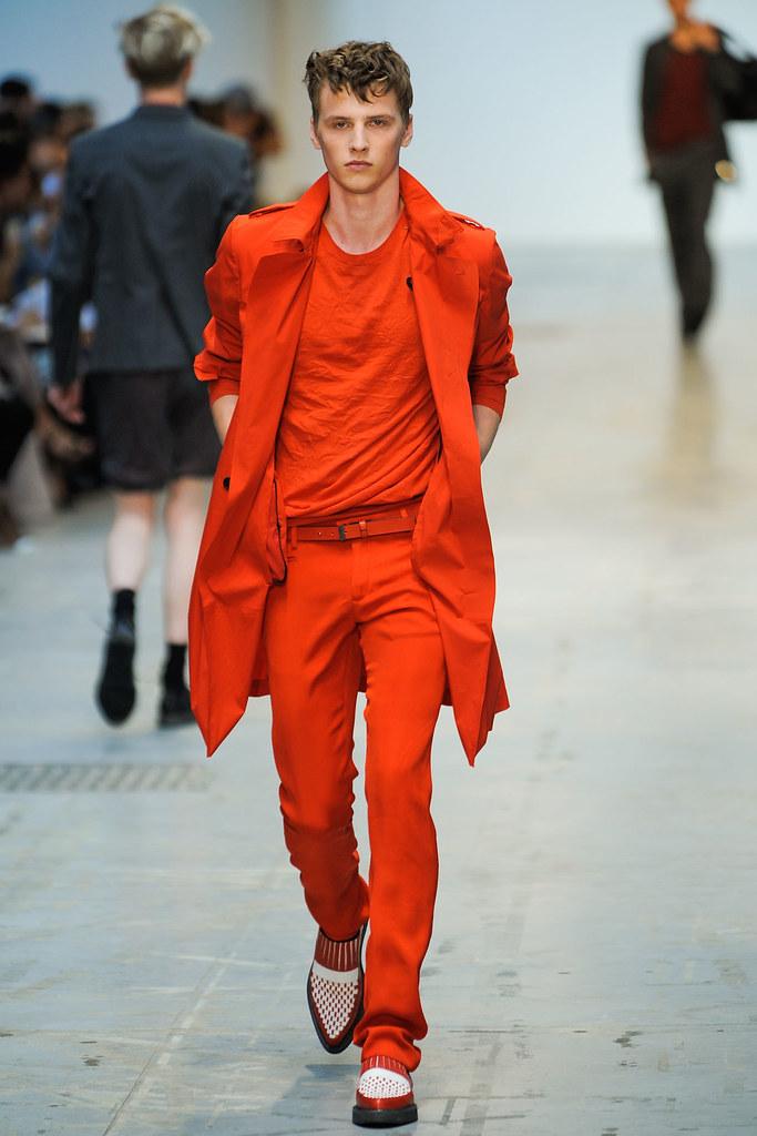 SS12 Milan Costume National Homme021_Oskar Landstrom(VOGUEcom)
