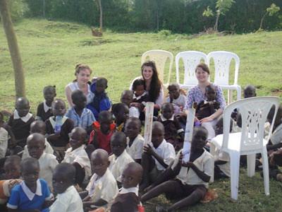 Why volunteer abroad? 7 reasons to volunteer abroad