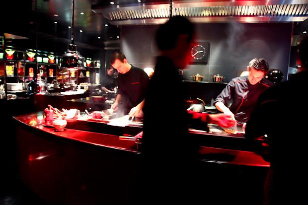 Kitchen L'Atelier de Joel Robuchon Etoile