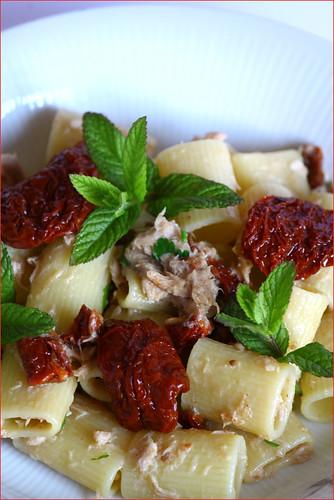 pasta tonno e pomodori secchi
