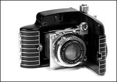 Kodak's Bantam Special (greenthumb_38) Tags: kodak retro artdeco clamshell bantam jeffreybass bantamspecial 19361948