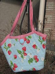 strawberry bag 008 (nancydeetoo) Tags: from bag bucket lisa bible making lam