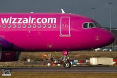 HA-LPZ - 4174 - Wizzair - Airbus A320-232 - Luton - 110117 - Steven Gray - IMG_8080
