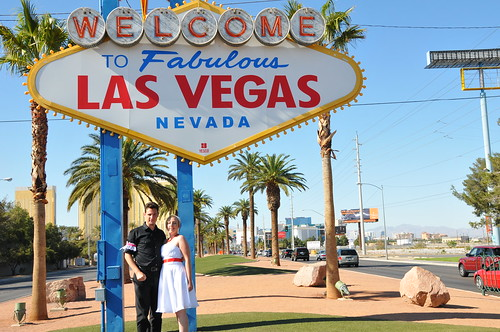 Just (re)Married at the Vegas sign