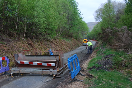 Resurfacing the Glen Ogle cycle path