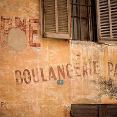 Boulangerie (Renaud DELCUZE) Tags: france wall bread pain antique provence mur cassis boulangerie volet patine renauddelcuze