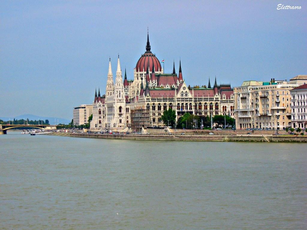 Budapest: Parlamento / Parliament