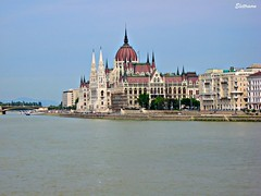 Budapest: Parlamento / Parliament ( Elettraoro ) Tags: travel holiday canon river europa europe hungary fiume budapest parliament august agos