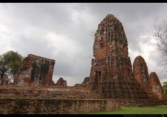 TH-063 (Rawbean Laden) Tags: thailand ayutthaya watmahatat phrang templeruin