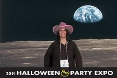 0049earth_2 (Halloween Party Expo) Tags: halloween halloweencostumes halloweenexpo greenscreenphotos halloweenpartyexpo2100 halloweenpartyexpo halloweenshowhouston