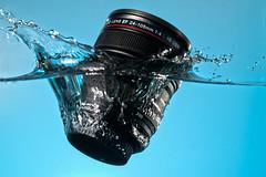 The reason to prefer L lenses!!! (mad_airbrush) Tags: water lens drops flash splash blitz strobe speedlite 100mmf28macrousm 24105mmf4lisusm 430ex lumiquest strobistcom strobist 5dmkii lumiquestiii lensmug