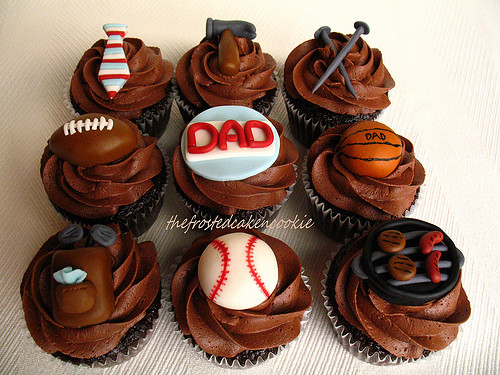 5769353381 68eb3d53e8 Father's Day Cupcakes