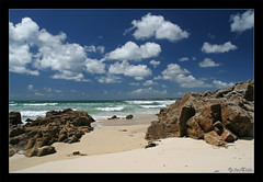 Les Seychelles ou tout comme... (jo.pensel) Tags: ocean mer beach bretagne breizh reflet 29 paysage vague plage rocher tourisme refection onde dz bzh douarnenez atlantique plouhinec audierne portrhu capsizun jopensel photobretagne queuedelivre portmuse jocelynpensel photogaphebretagne jopenselcom