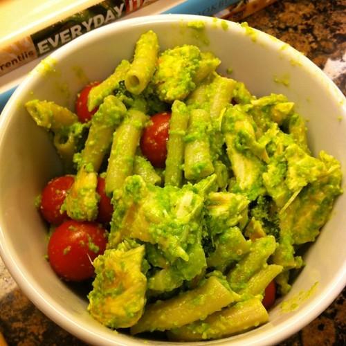 Sweet Pea Pesto w/ Chicken, Roasted Broccoli & Tomatoes