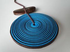 Disco turqueza (VicheMaria) Tags: artesanato collar colares vies couro colarartesanal