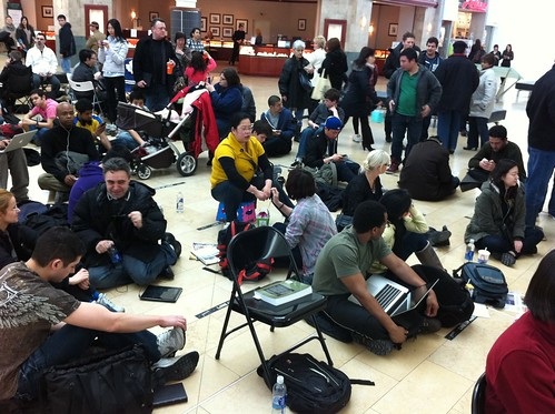 Line-up for the iPad 2 at Yorkdale mall