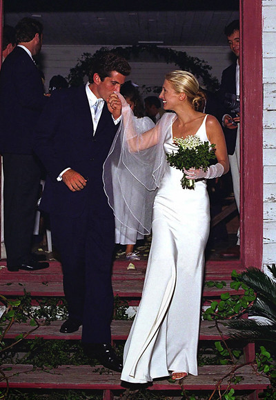 carolyn bessette to jfk jr in narciso rodriguez who was then unknown