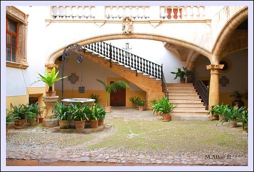 Escalinata 2 by Miguel Allué Aguilar