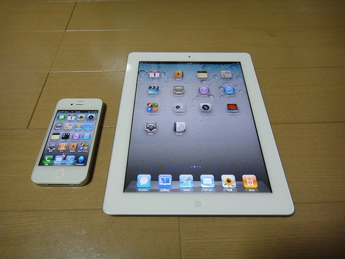 02iPad2-iPhone