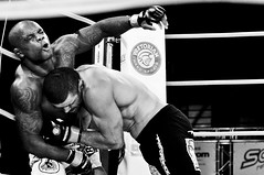 MMA Jungle Fight 2011 (Levi Bianco) Tags: nikon sopaulo sp mma pauta 2011 d90 artesmarciais junglefight pancadaria levibianco ginsiodopacaemb junglefight2011