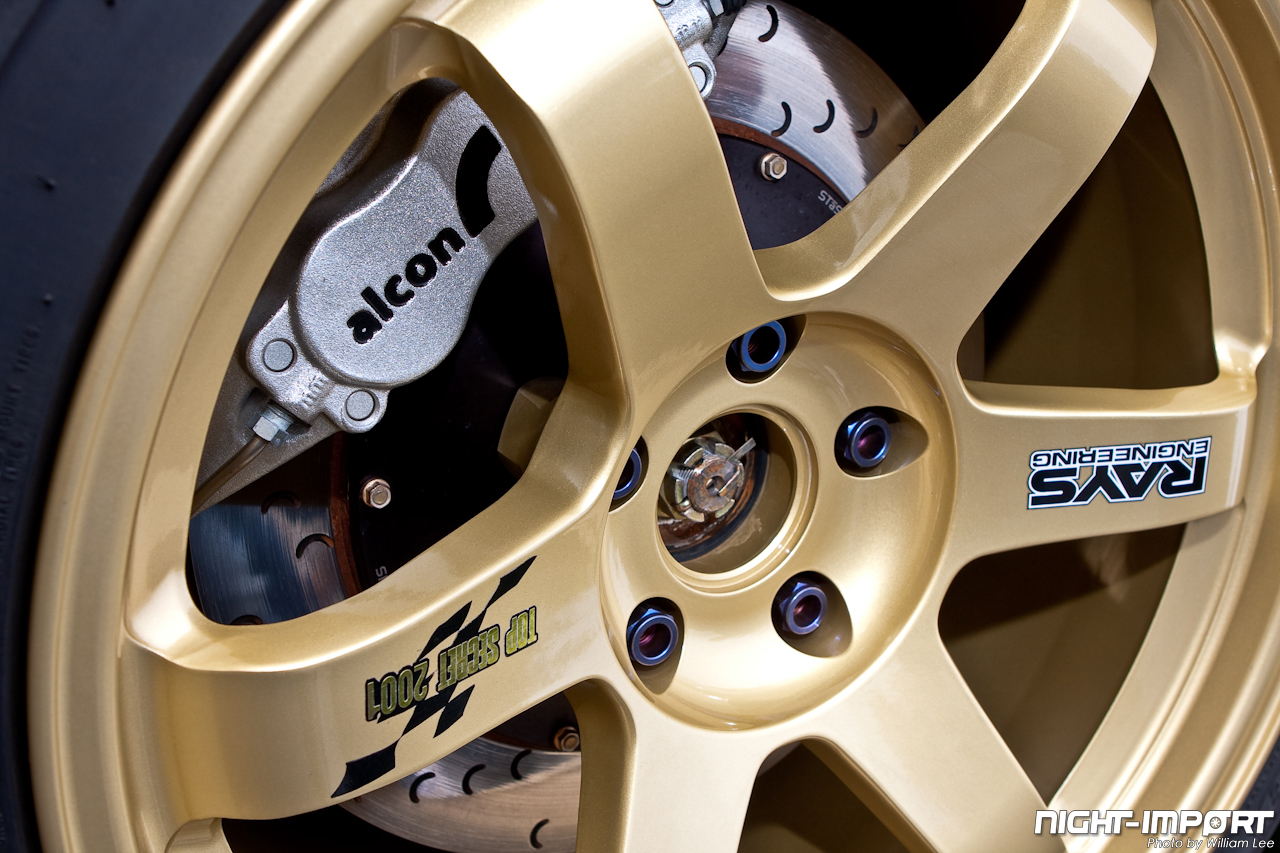 ... out the Top Secret Gold Volk TE37s wrapped on Toyo Proxes R888 tires.