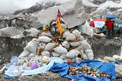 trash collected in last year's expedition (by: Extreme Everest Expedition)