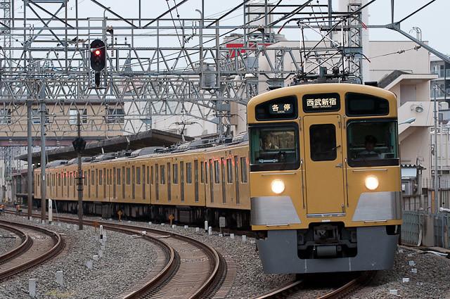 西武 新2000系 2451F
