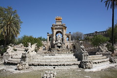 "La Cascada, Parc de la Ciutadella, Barcelona • <a style=""font-size:0.8em;"" href=""http://www.flickr.com/photos/23564737@N07/5627825345/"" target=""_blank"">View on Flickr</a>"