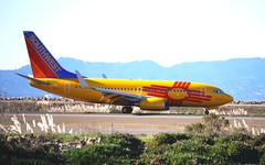 """Southwest 737 """"New Mexico""""...  737-700 N781NM (wbaiv) Tags: southwest 737 newmexico airlines winglets rollout oak oakland sunny day boeing single aisle twin engine two passenger jet fanjet turbofan airliner airplane plane n781nm narrow body cfm56 whole exterior aircraft flying machine profile swa iflyswa luv outdoor vehicle"""