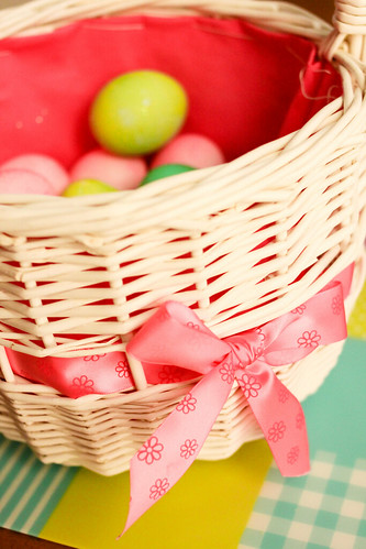 16 | 52: Easter basket with eggs