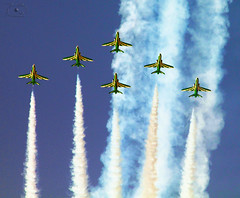 The Green Falcons (7LM) Tags: green ngc falcons الخضر الطيران الجنادرية عروض الصقور