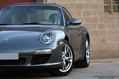 Porsche 911 Turbo (Abubaker Babttat) Tags: canon 911 turbo porsche kuwait 70200 450d