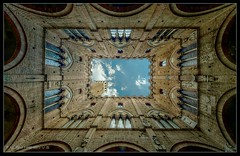 Siena Tower (Dance of light) Tags: italy spring tuscany siena cpa 2011 delcampo vkpn