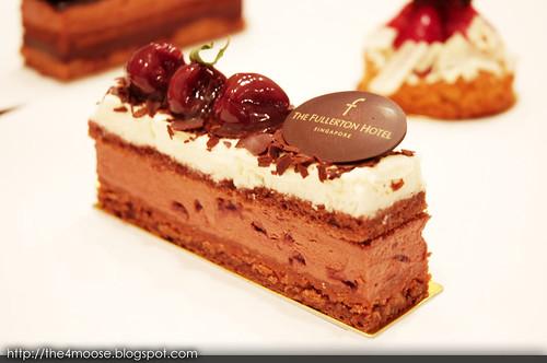 Fullerton Hotel - Fullerton Blackforest Cake