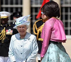 The Queen and Michelle Obama (The British Monarchy) Tags: queen buckinghampalace firstlady statevisit michelleobama ceremonialwelcome