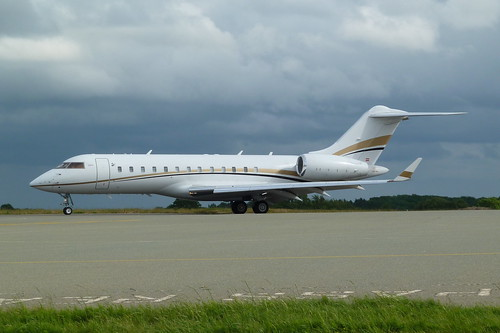 OE-IEL by www.Biz-Jets.com