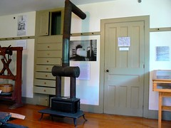 At the Enfield Shaker village (Walter Parenteau) Tags: new stone museum great hampshire vale stove shaker enfield chosen dwelling 2011