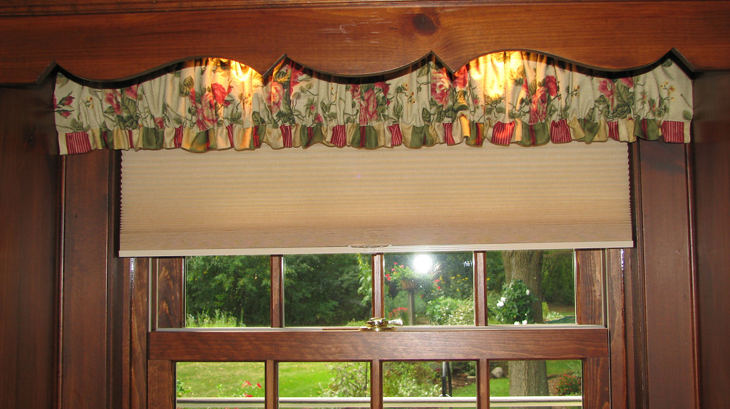 Gathered Valance & Duette Shade