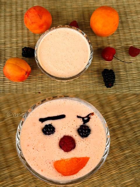 divertente frappè allo yogurt e albicocche