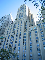 NYC 2011 067 (catchesthelight) Tags: nyc hotel centralpark manhattan historic angelinajolie celebrities artdeco renovation deco judelaw 59thst jumeirahessexhouse nationaltrusthistorichotelsofamerica essexhouseneonsign