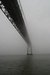 Ponte 25 de Abril (Flvio Duarte) Tags: rio lisboa ponte tejo breathtaking nevoeiro srieouro breathtakinggoldaward bestcapturesaoi breathtakinghalloffame elitegalleryaoi