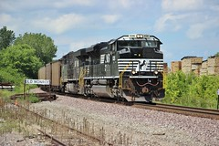 Thoroughbreds In Charge (Matt_Schimmel) Tags: ns norfolksouthern emd sd70ace oldmonroe missouri coal bnsf hannibalsub freight train