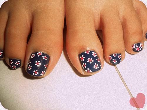 Dot Flower Nail Art Nailarts Ideas