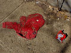 rfos #2... (bruce grant) Tags: lixo saco calada suter