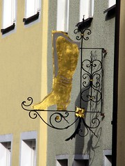 A golden dream! (:Linda:) Tags: germany handicraft bavaria boot golden town franconia workshop shoemaker shopsign handwerk schuhmacher badknigshofen aushnger grabfeld nasenschild